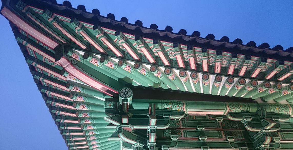 Tapınaklardaki Rengarenk İşlemeler