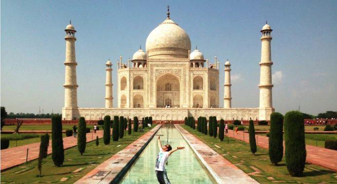 Agra (Tac Mahal)-Hindistan