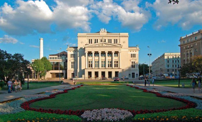 Litvanya opera binası